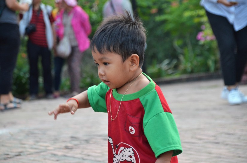 """Uscire di casa a piedi e ritrovarsi a Phnom Penh: l'importanza di essere pellegrini, il dovere di essere """"nessuno"""""""