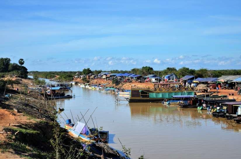 Un viaggio lento, da Siem Reap a Battambang navigando il lago TonléSap