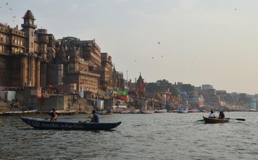 Varanasi, sospesa tra terra ecielo